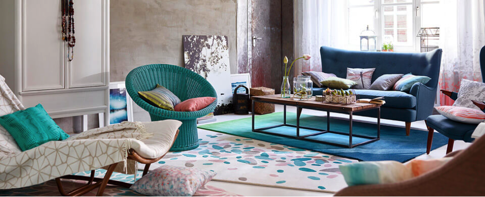6 Beautiful Homes that Use Summer Colors Excellently