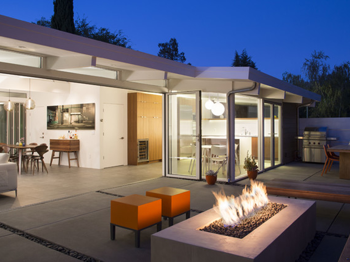 5 mid century modern backyards to die for be inspired