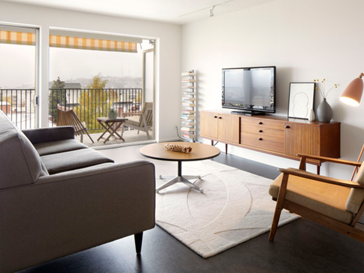 6 minimalist mid century modern living rooms be inspired for Modern apartment living room