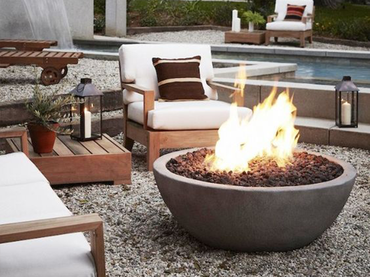 Outdoor-Sitting-Area-Open-Fire